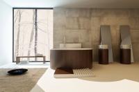 Placarea peretilor din baie cu travertin