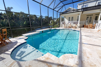 Pavarea spatiului din jurul piscinei cu travertin