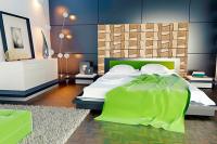 Perete decorativ cu mozaic de travertin pentru dormitor